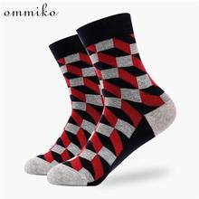 Ommiko Модные Красочные мужские носки Повседневная Забавный Новинка носки хлопковые носки для мужчин мужской цвета красный, серый в клетку короткие носки