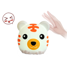 7 Colors Changed Multicolor Cartoon Tiger Pat Light Soft Silicone Table Lamp Home Decor for Baby Kids Touch Control Night