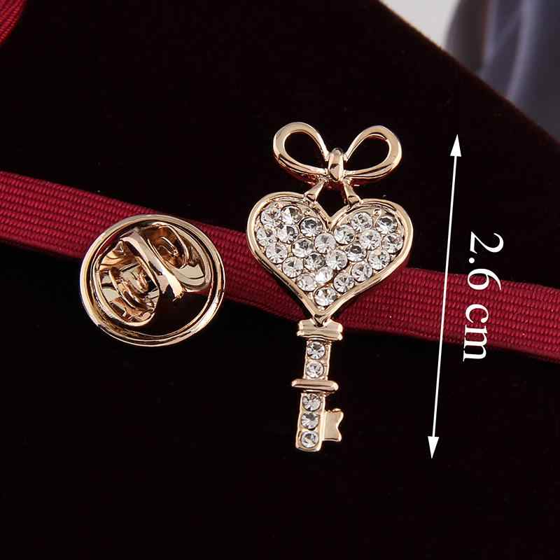 Concise elegan Cukup Jantung Kunci Berlian Imitasi warna Emas Perhiasan Bros untuk Wanita Bros Pins