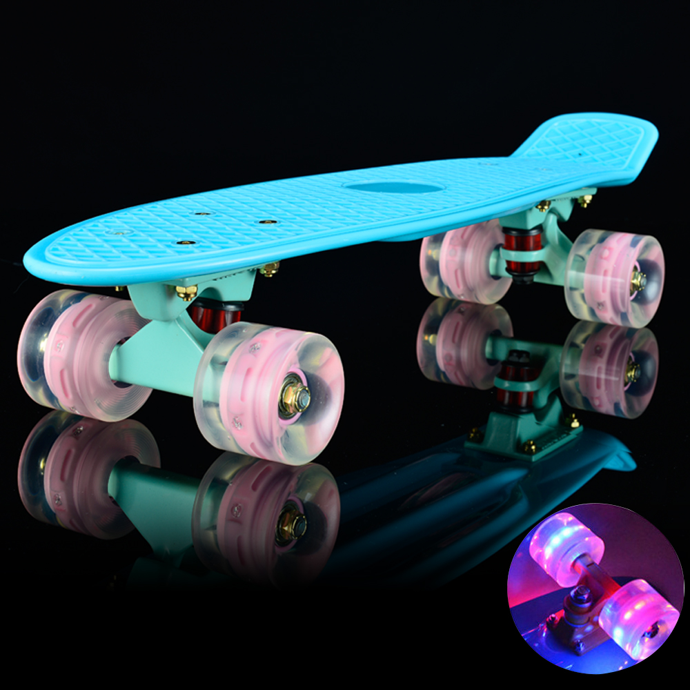 "22 Skate Mini Cruiser Board 22 ""Placa Skate Retro Completa com Led Acender Rodas"