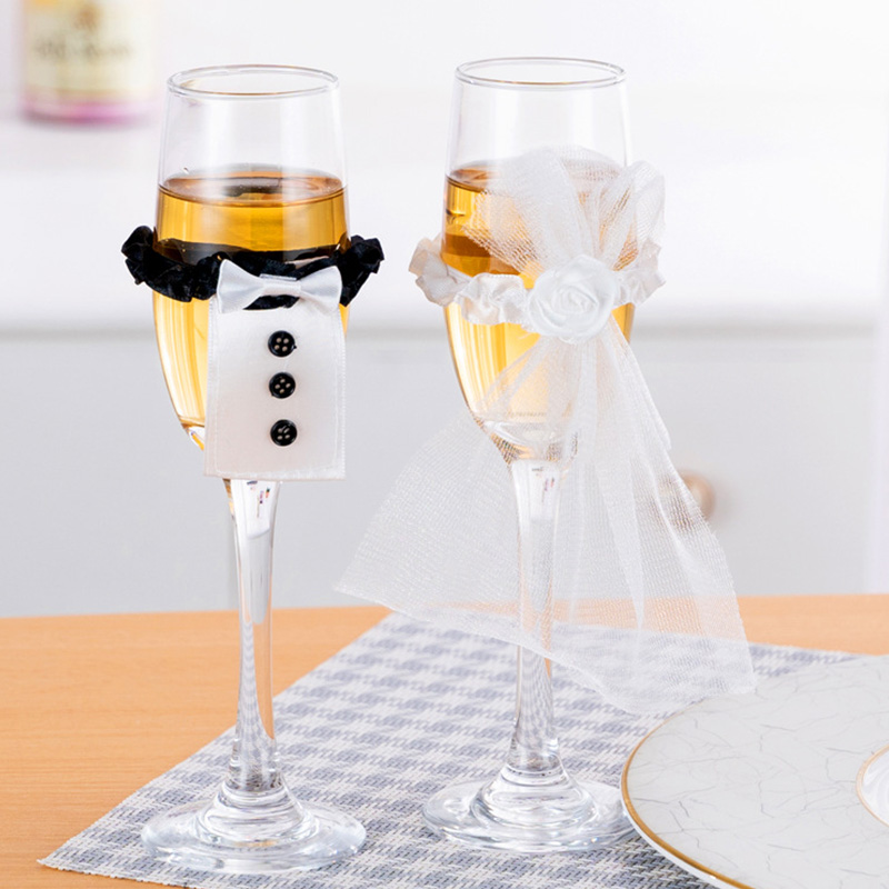 2 PCS Wedding Wine Glass Cups Set Covers Bride Groom Costume Glass DIY Decorations Holiday Party Holiday Cup Accessories Gadgets