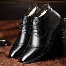 Британский стиль новинка 2017 года зимние сапоги Martin острый носок Для мужчин хлопок Обувь плюс теплые ботинки Бизнес Для мужчин кожаные ботильоны 2A