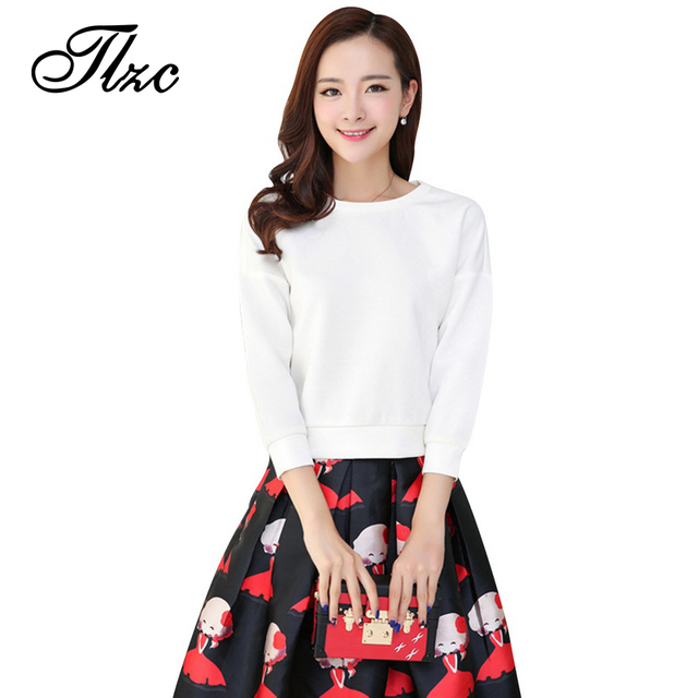 TLZC Two Pieces Lady Clothing Set T-shirts + Skirts White / Black Size M-2XL Sweet Women Skirt Suit Printed Lady Fashion Suit