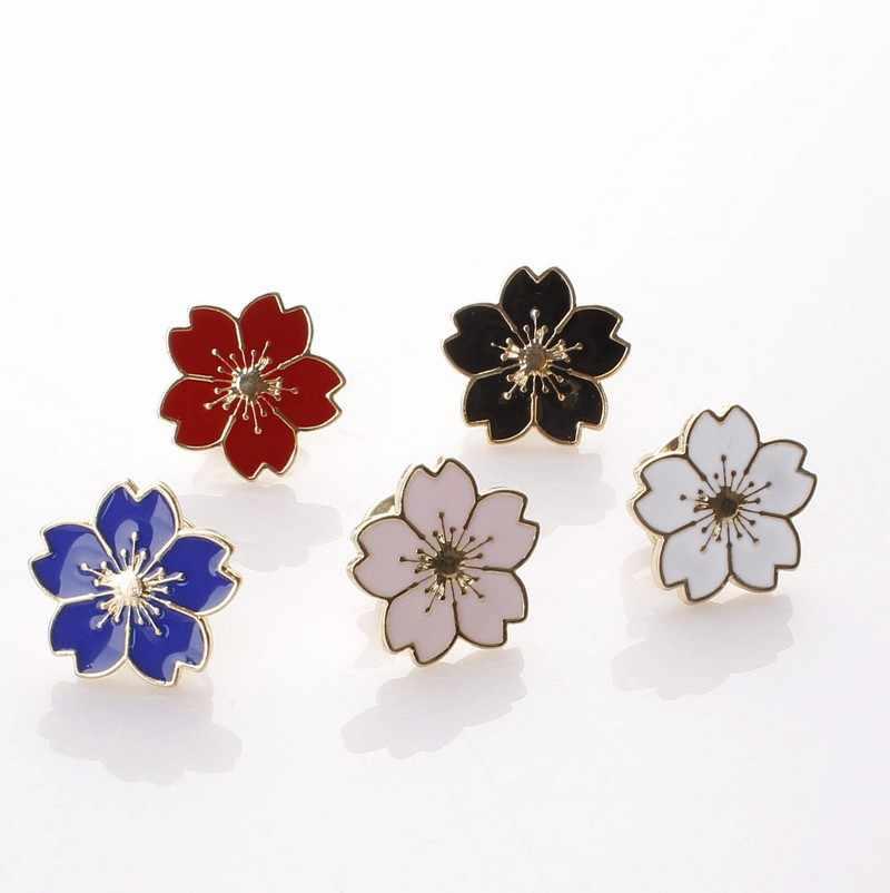 Mode coréenne nouveau col broche vent fille belle fleur de cerisier uniforme goutte huile Badge petite fleur broche vente en gros