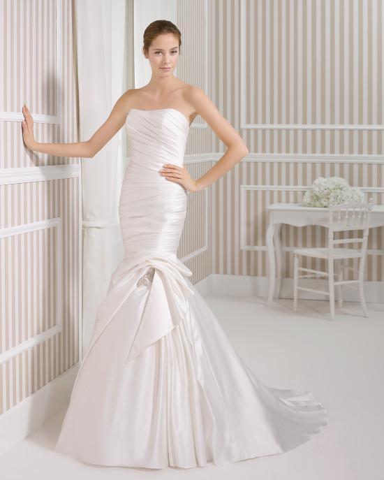 20 Elegant Simple Wedding Dresses Of 2015: 2016 Strapless Taffeta Mermaid Wedding Dresses Simple