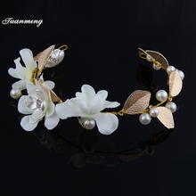 TUANMING Gold Leaves Pearl Headbands Wedding Hair Jewelry White Flower Head Piece Bridal Vintage Hairband Tiara Hair Accessories