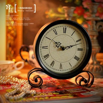 American country modern minimalist living room bedroom decoration Home Furnishing wrought iron clock retro round clock clock.