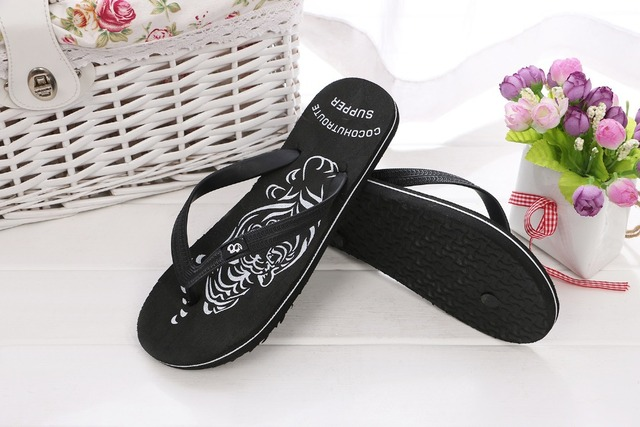Men Slippers Summer Shoes Sandals Fashion Hot Sale Male Slippers indoor & outdoor Beach Flip Flops Comfortable Shoes Size 40-44