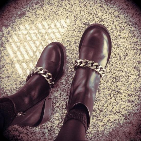 Hot 2017 Autumn Winter Shoes Woman Round Toe Knight Boots Designer Metal Chain Leather Woman Boots Side Zip AnkleBoots Plus Size цена