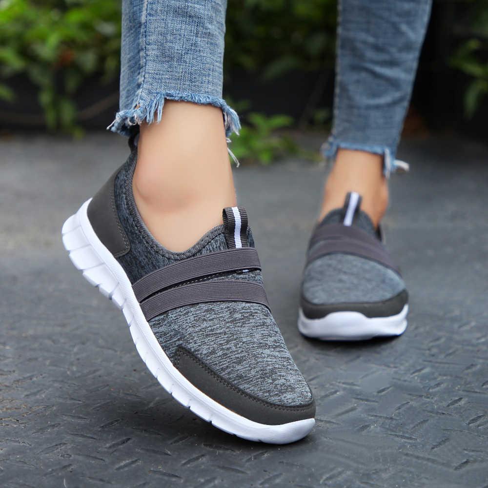 Легкая женская повседневная обувь для прогулок; женская обувь на плоской подошве без застежки; женские лоферы; Цвет Черный; большие размеры 41, 42