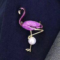 Konduki New High Quality Enamel Colors Optional Flamingo 10mm Natural Pearl Golden Color Brooches For Women Jewelry Wholesale