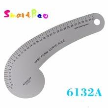 32センチ形曲線定規使用によってパターンメーカーで描画アームホール、スリーブキャップ、ネックライン、首輪; # 6132A