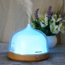 Aroma Essential Oil Diffuser, Cool Mist Ultrasonic Humidifier, Wood Grain, 200ML, 7 Color Rainbow Light with Intermittent