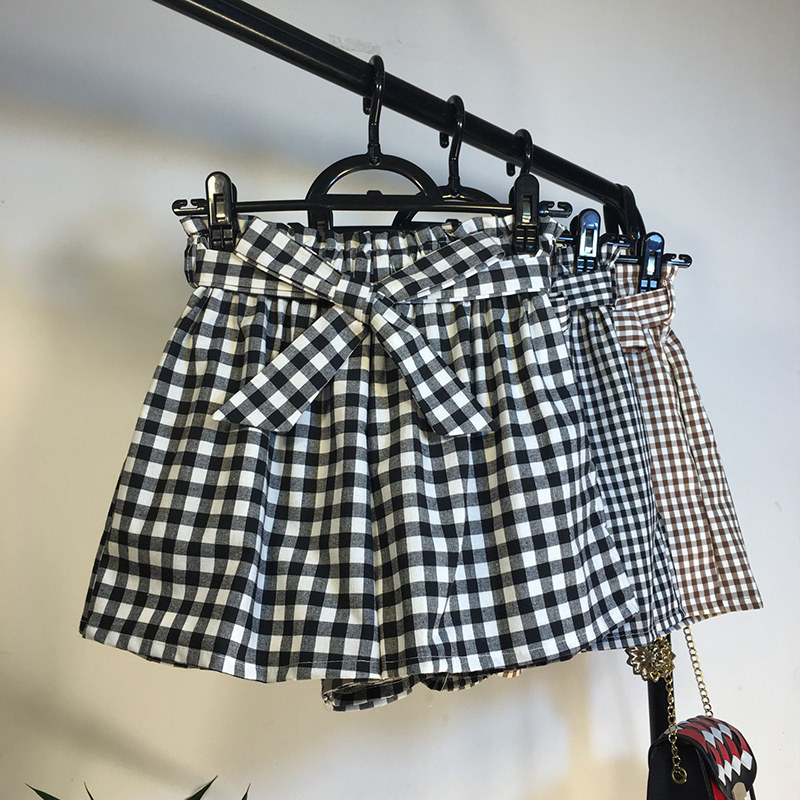 2018 New Summer Loose High Waist Plaid Shorts Women Vintage Bow Sashes Wide Leg shorts Casual Elatics Thin Shorts Female Mw317
