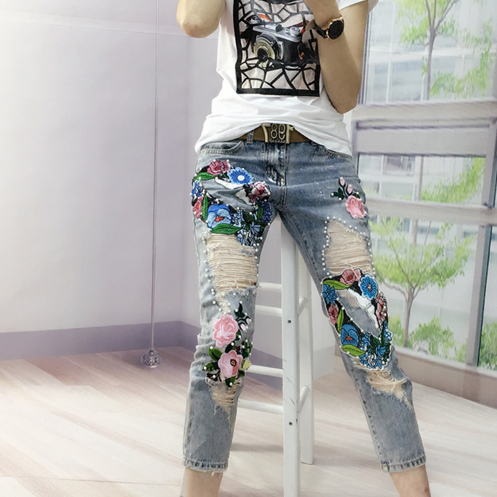 European Style New Bronzing Flowers Colorful Patchwork Ripped Pearl Stitch Elegant Fashion Trends Jeans цена 2017