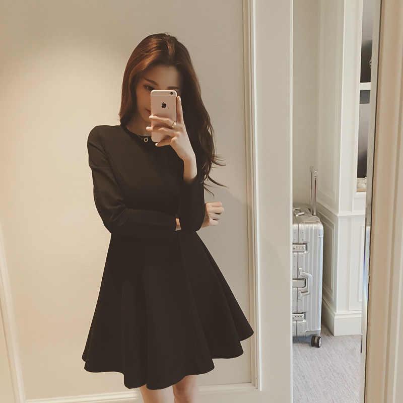 750c4a298ff 2018 Новое Осеннее корейское классическое платье Хепберн маленькое черное  платье тонкое платье с длинными рукавами воздух
