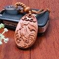 1 unid Moda llaveros animales Pollo gallo De Madera Tallada Llavero Cadena Dominante del coche pequeño Colgante Llavero madera porte clef
