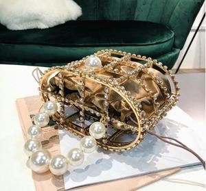 Image 5 - יוקרה יהלומי תיק נשים אופנה מעצב מצמד ערב תיק חרוז פנינים למעלה ידית תיק Busket כלוב צורת המפלגה תיק