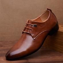 Hochwertige Art Und Weise Mens PU Kleid Schuhe 2016 Atmungsaktive Oxford Schuhe für Männer Flache Braun Spitz Hochzeit Schuhe Große Größe 46