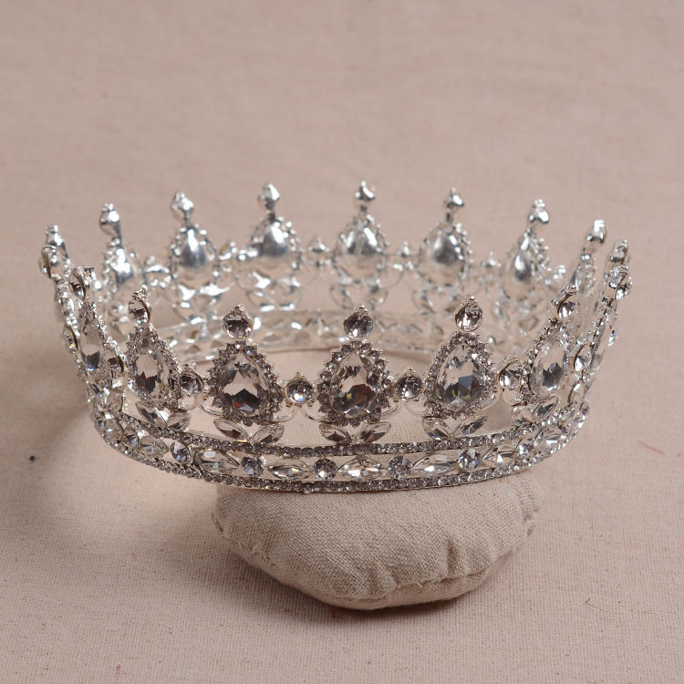 Elegant Luxurious European Vintage Silver Plated Crystal