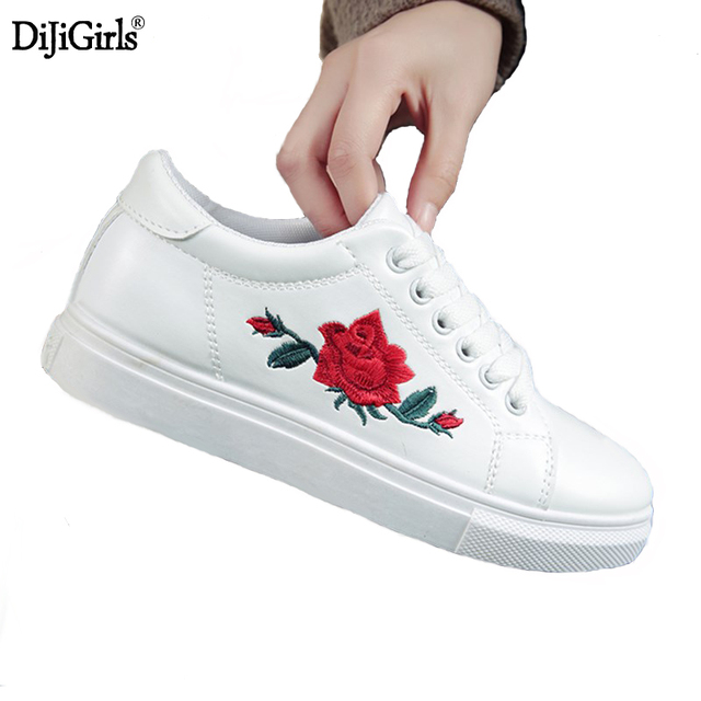 Mode superstar chaussures Brodé rose fleurs casual chaussures creepers Confortable tête Ronde chaussures plates femmes mocassins