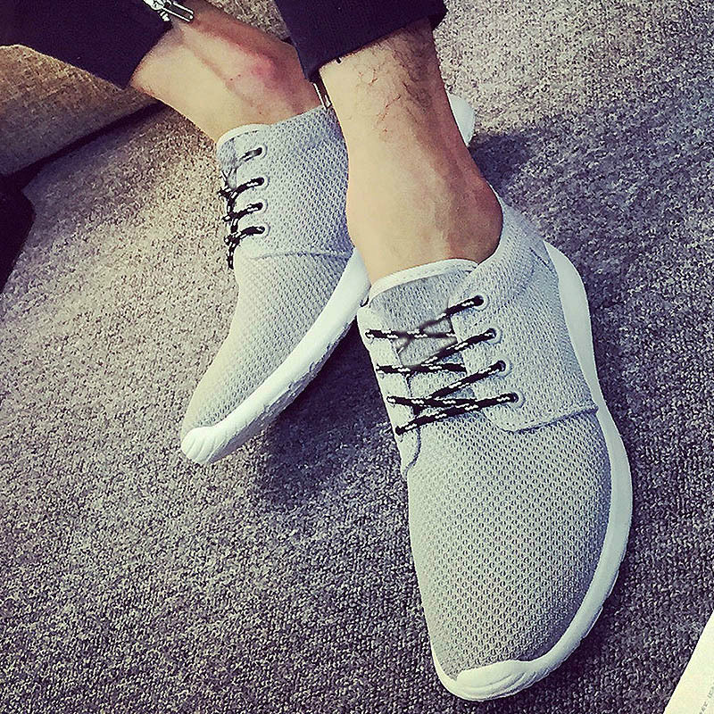 2018 New Men Casual Shoes Sommer Pustende Svart Flats Sko Menn Trenere Gående Sko Fottøy Mesh Sneakers Mannesko