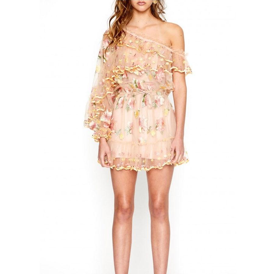 2019 Date Femmes De Mode robe sexy robe asymétrique Fleur Broderie Or Robe Maille Dentelle À Volants Style Mini-robe pour les Femmes