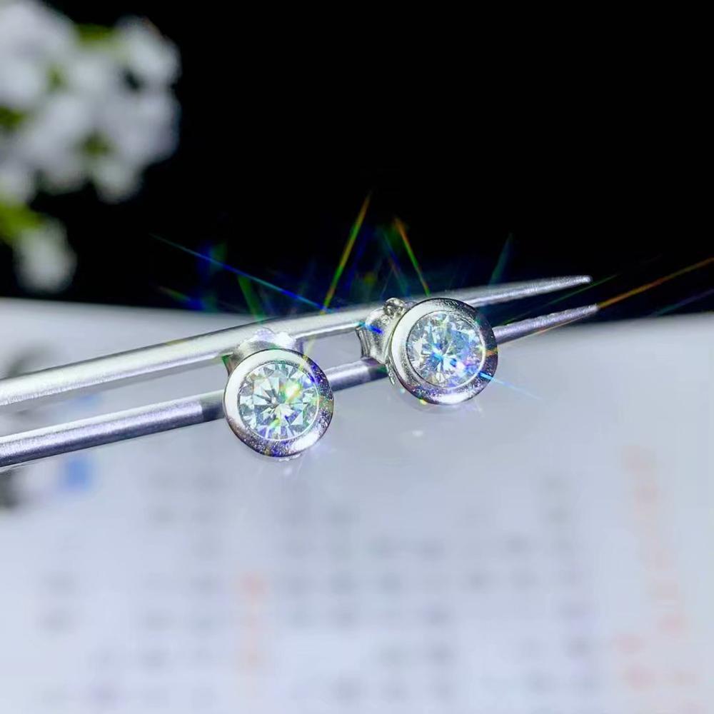 dazzling moissanite gemstone earrings with attractive character for womendazzling moissanite gemstone earrings with attractive character for women