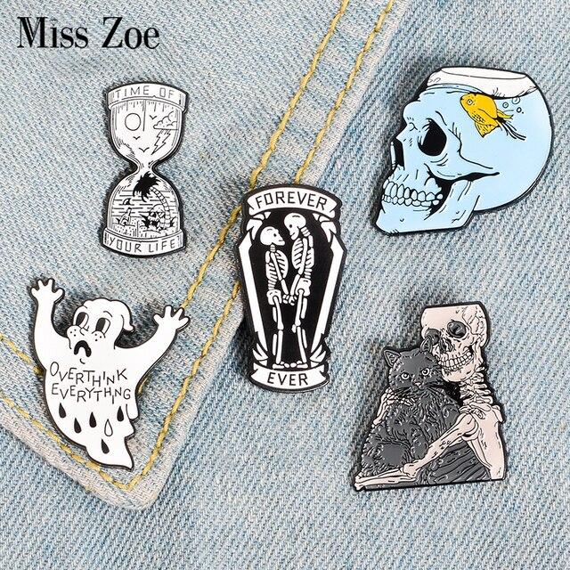 Twoje życie klepsydra emalia Pin szkielet ducha Fish Tank czaszka odznaka broszka torba koszula dżinsowa przypinka Gothic Cat biżuteria prezent