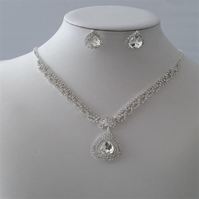 Water Drop Style Wedding Necklace Earring Suit Made With Swarovski Crystal Glittering Inlaid Austria Bridal