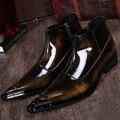Бесплатная Доставка мужская Мода Смешанные Цвета ботинки Полное Зерно Кожа медного цвета Острым Носом Заклепки Мартин сапоги мужчины