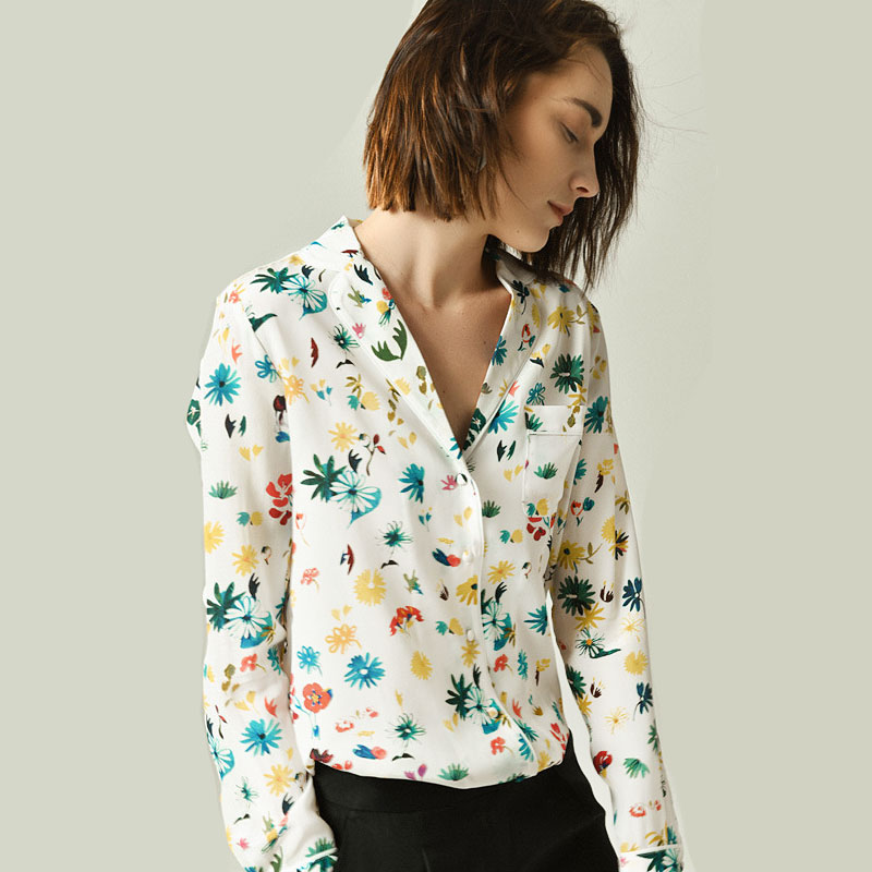 البلوزات 2019 الربيع المبكر جديد ديزي المطبوعة قميص حريري طويل الأكمام الإناث المرأة قميص إمرأة قمم-في بلوزات وقمصان من ملابس نسائية على  مجموعة 1