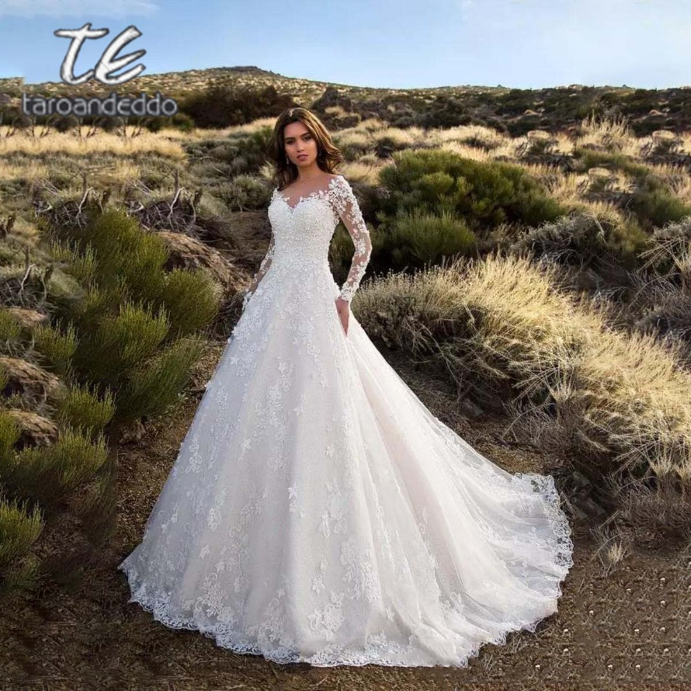 Long Sleeves V Neck Wedding Dress Vintage A Line Illusion V Back Zipper Closure Lace Flowers Applique Bridal Gown Free Shipping