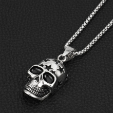 Car Ornament Pendant Domineering Personality Stars Skull Auto Interior Rear View Mirror Decoration Accessories Hanging