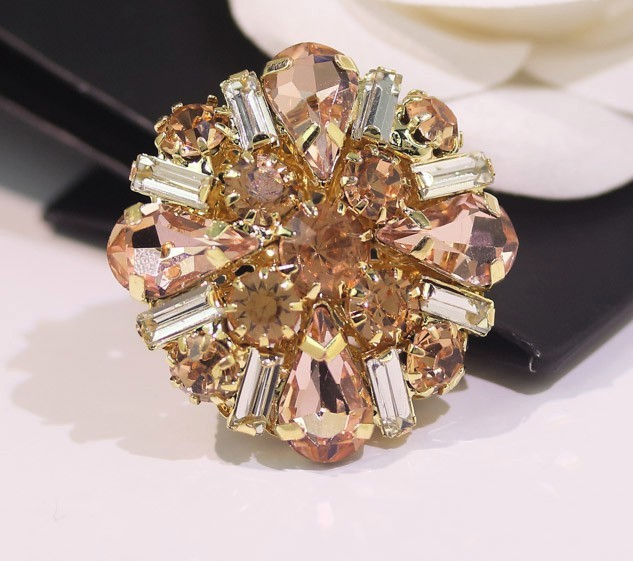 Wholesale 5 pieces High-grade metal Crystal rhinestone jacket Overcoat  Buttons Shirt Cotton coat Button 29ad7cbcbd83