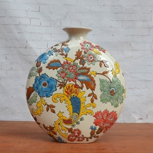 The Tao Caicai trade porcelain vase small bottle embossed living room TV cabinet decoration