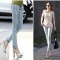6 EXTRA GRANDE de Jeans Mulher Coreano Light-colored Denim Calças Pés Desgaste Branco Perfuração Quente Magro Calças Lápis Mulheres das calças de Brim