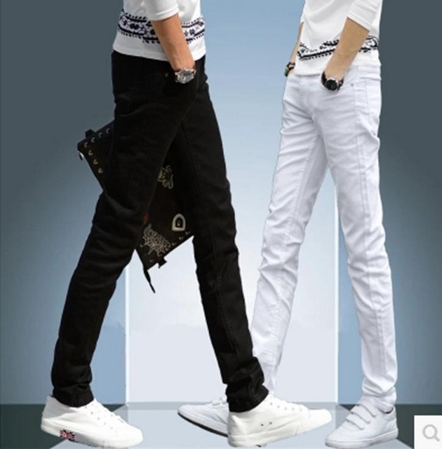 High quality 2020 indoor black and white jeans thin young students straight leisure denim teenager skinny jeans men Pencil pants