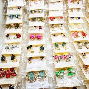 Image 2 - Hurtownia 60 par różne moda damska biżuteria piękne kolczyki z kryształem stadniny kolczyki Mix style