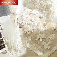 Wysokiej tiulowe haftowane białe