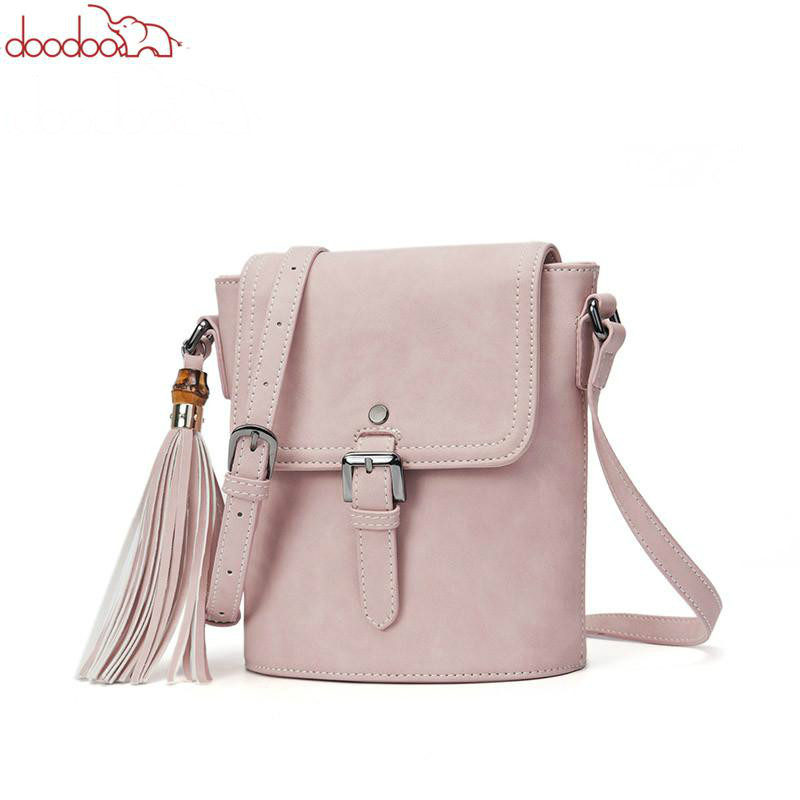 DOODOO Brand Women Shoulder Bags Female Small Handbag Ladies Solid Messenger Bag Artificial Leather Tassel Crossbody Bucket Bag стоимость