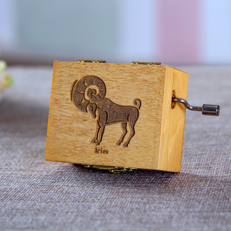 T 12 Constellation Music Box Wooden Hand Crank Mini Music Box with Castle In The Sky As Gift for Girl Birthday Bride Home Decor