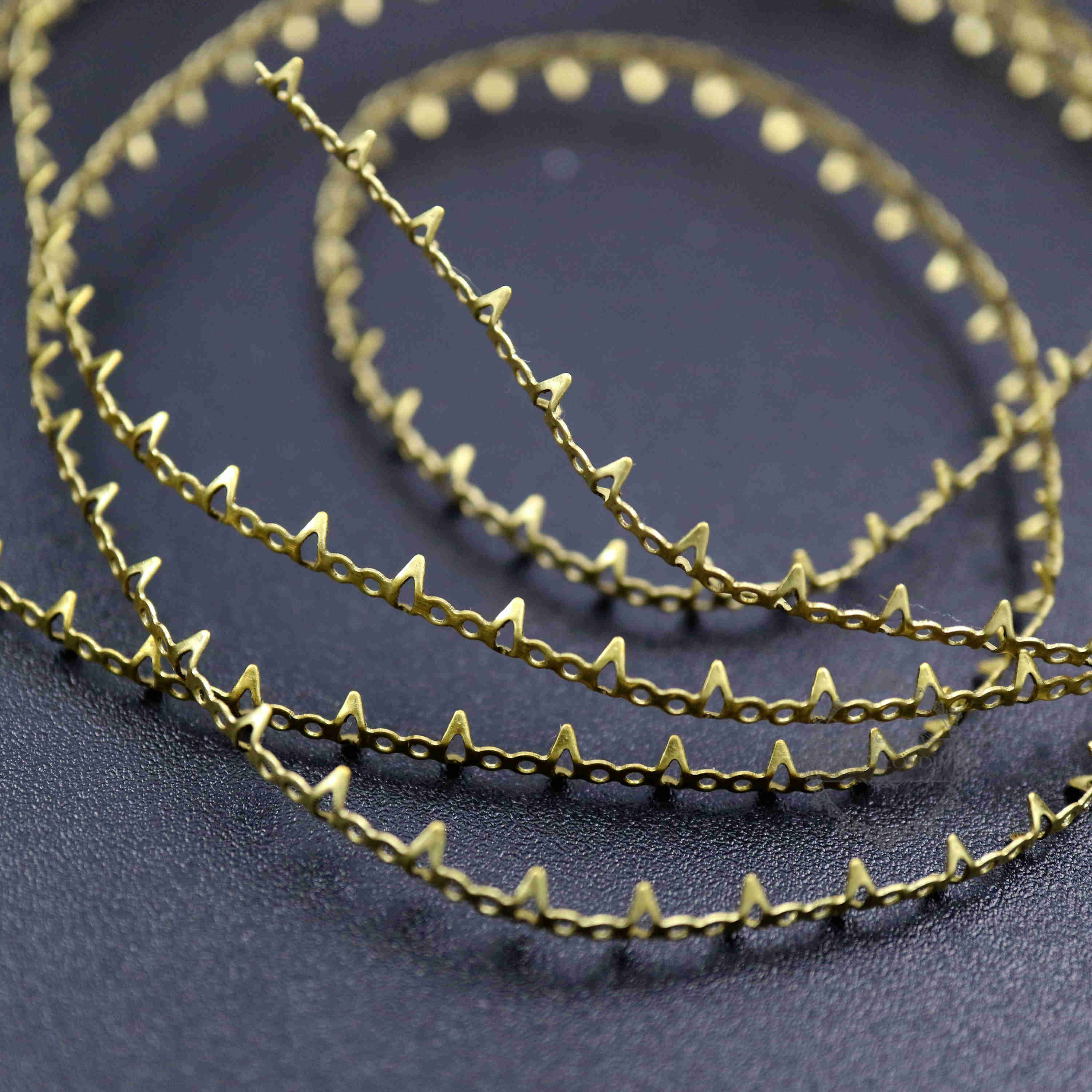 Vintage Style Raw Brass Crown Cabochon Stone Wrapping Wire Special DIY Findings 1505019