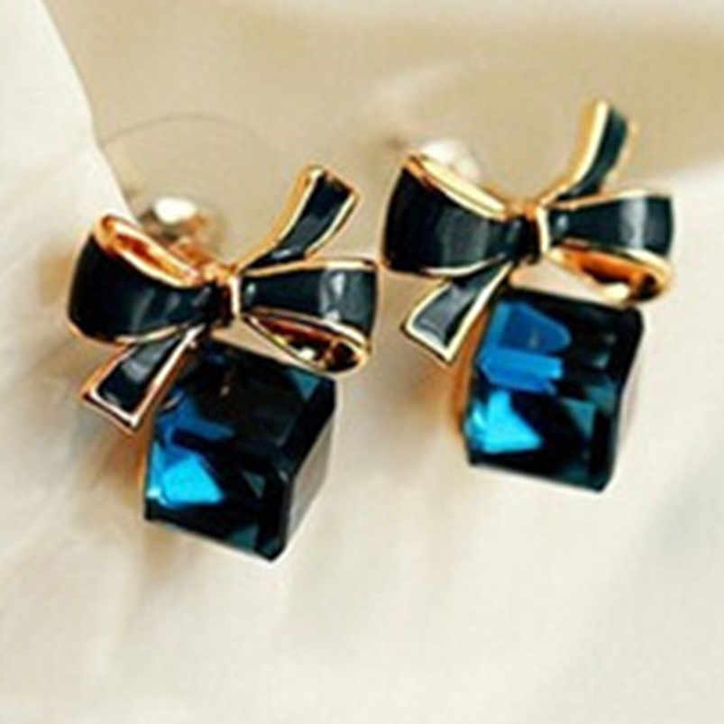 New fashion chic square imitation blue crystal earrings wholesale