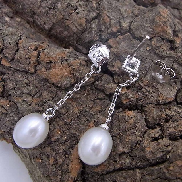 Natural Freshwater Pearl Silver Drop Earrings