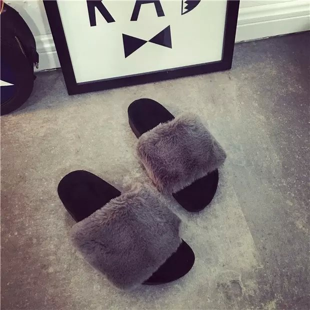 Womens Rabbit Fur Slipper Beach Sandals Summer Flat Slipper Flip Flop Loafers Female Outdoor Fashion Comfortable Lady Shoe
