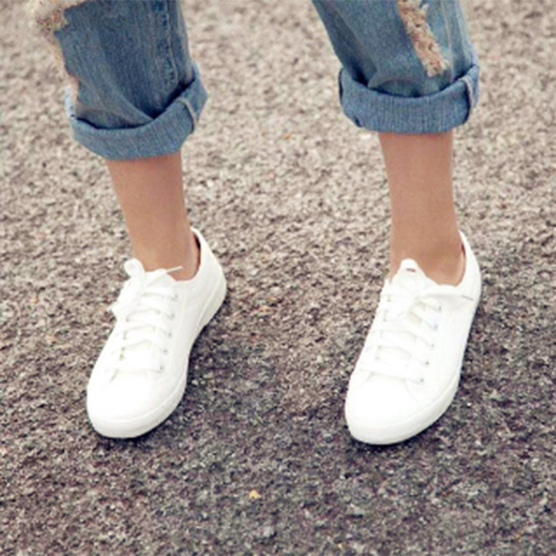 Hot Sale Fashion Women White Canvas Shoes Concise Low Top Casual Flat Student Shoes Lace Up Solid Canvas Women Shoes OR913178 hot sale 2016 top quality brand shoes for men fashion casual shoes teenagers flat walking shoes high top canvas shoes zatapos