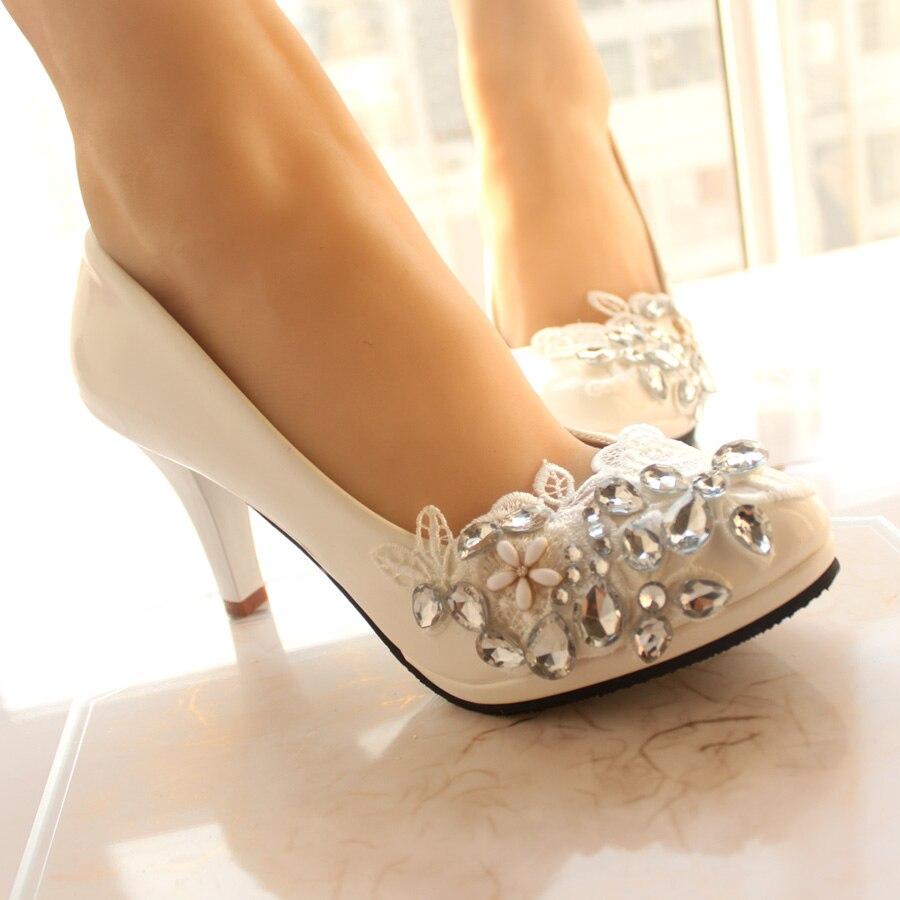 b207f2e2adc37c New style bridesmaid shoes heels white wedding shoes beautiful Super  immortal handmade lace flower rhinestone Bridal Shoes hi