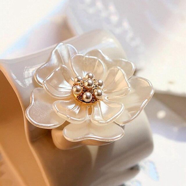 Perle émail camélia broches pour femmes pour femmes fleur broches robe décoration mode bijoux moderne dames filles broche cadeau