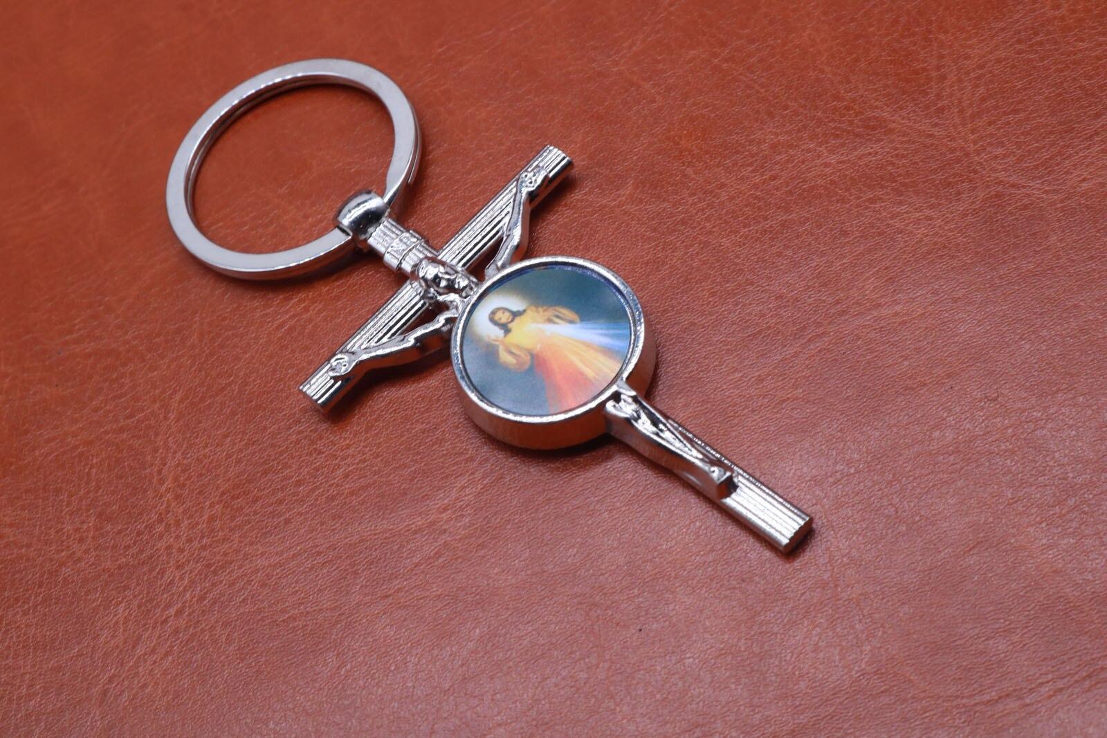 Classic Silver Charm Jesus Christian key ring key car key ring, handbag, gift accessories free shipping